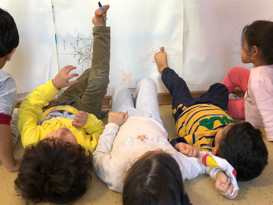 برنامه هنر و خلاقیت با موضوع دنیای وارونه در مهرآیین